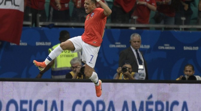 Copa América: victoria y clasificación para Chile