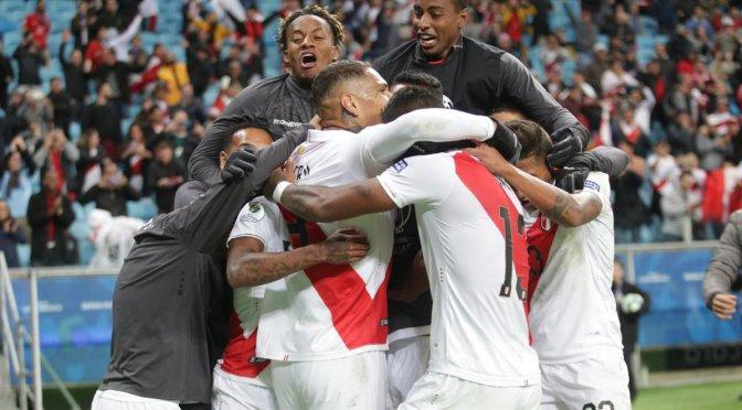 Perú goleó a Chile y jugará la final de la Copa América ante Brasil